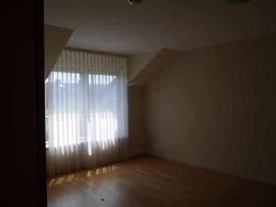 schöne 80qm große 2,5 Zi.DG-Wohnung