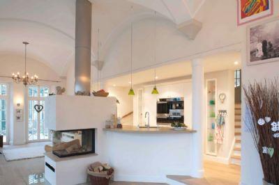 alleinauftrag charmanter luxus stilvolle englische landhausvilla mit schwimmteich villa. Black Bedroom Furniture Sets. Home Design Ideas