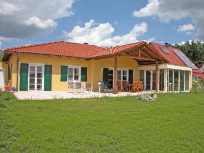 toskana haus auf ihrem grundst ck bungalow amberg 2b88333. Black Bedroom Furniture Sets. Home Design Ideas