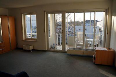 Sonnige Ein-Zimmer Wohnung mit Balkon, Abstellraum & Keller in Mathystr
