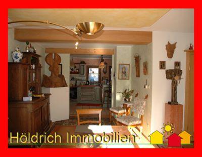 Mittelhaus mit interessantem Raumkonzept und schönem Garten in Oberammergaus Sonnenlage!