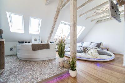 Luxussuite mit Whirlpool, 3D TV und Sonos