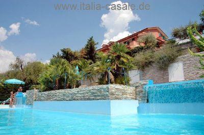 Ligurien, Blumenriviera - schöne Ferienwohnungen für 2-7 Personen mit 2 Pools in herrlicher Panoramalage mit Meerblick