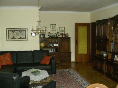 Schöne 3 Zimmer Wohnung mit großem Balkon von Privat