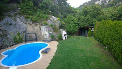 Geräumige Villa mit Pool und Sauna-Luxus pur